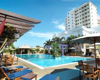 Grand Lexis Port Dickson - Port Dickson - Pool