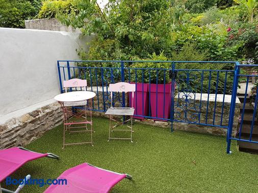 Les Chambres d'hôtes l'Hermine - Bazouges-la-Pérouse - Balcony