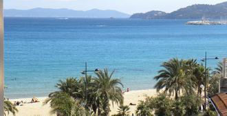Anglade Hotel - Le Lavandou - Playa