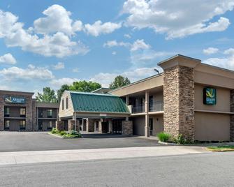 Quality Inn - Covington - Building