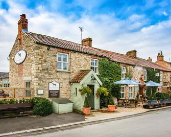 Black Horse Inn, BW Signature Collection - Northallerton - Building