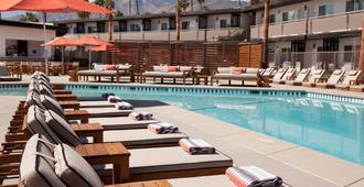 Sonder at V Palm Springs - Palm Springs - Piscina