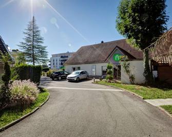 Campanile Geneve - Ferney-Voltaire - Ferney-Voltaire - Building
