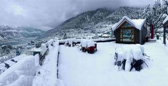 Hotel Mountain Top - Manali - Outdoor view