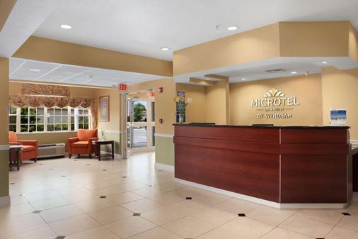 Microtel Inn & Suites by Wyndham Panama City - Panama City - Ρεσεψιόν