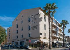 Hôtel Holidays & Work - Sanary-sur-Mer - Building