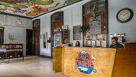 Luna's Castle Hostel - Ciudad de Panamá - Recepción