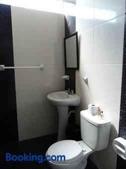 Matryoshka - Ica - Bathroom
