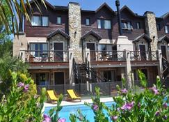 Solar Pampa Apart Hotel - Mar Azul - Building