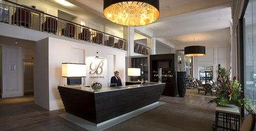 Cavendish Hotel - Eastbourne - Front desk