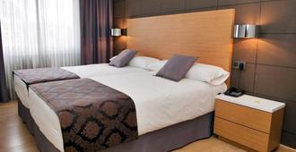 Hotel Universal - Santiago de Compostela - Schlafzimmer