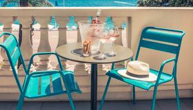 Mercure Nice Marche Aux Fleurs - Nice - Balcon