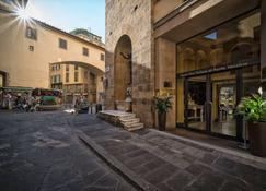 Hotel Pitti Palace Al Ponte Vecchio - Florence - Outdoors view