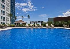 Quest Hotel & Conference Center - Cebu - Cebu City - Πισίνα