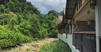 Thansila Resort - Mueang Ranong - Outdoors view