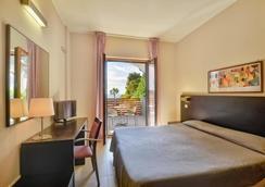 Hotel Mareluna - Кастеллабате - Спальня