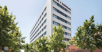 Hotel 4 Barcelona - Barcelona - Building