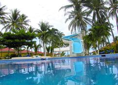 تروبيكلوب بلايا إل كوكو - El Cuco - حوض السباحة