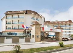 Ramada Resort by Wyndham Side - Side (Antalya) - Toà nhà