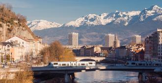 ibis Grenoble Gare - Grenoble - Näkymät ulkona