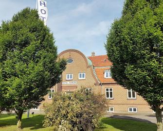 Hotel Femern - Holeby - Building