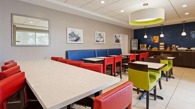 代頓旅館海風海濱貝斯特韋斯特酒店 - 德頓海灘 - 代托納比奇 - 餐廳