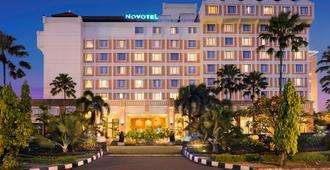 諾富特梭羅酒店 - 梭羅 - 梭羅/蘇拉加達/索拉卡爾塔 - 建築