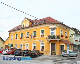 Hostel Sonce - Ptuj - Gebouw