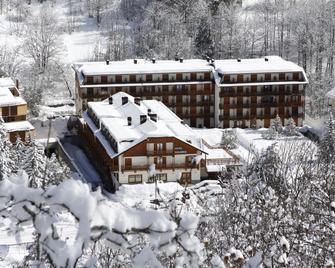 Club Hotel Solaris - Cesana Torinese - Building