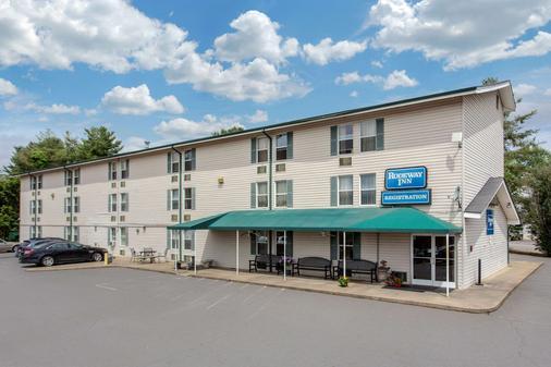 Rodeway Inn - Asheville - Κτίριο