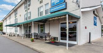Rodeway Inn - Asheville - Building