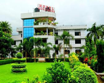 Hotel River Crown - Gaindakot - Building