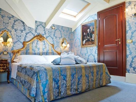 Hotel Canal Grande - Venice - Phòng ngủ