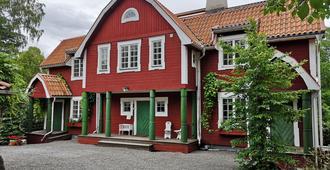Varmdovagen B&b Cottage - Stockholm - Building