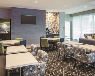La Quinta Inn & Suites by Wyndham McDonough - McDonough - Restaurace
