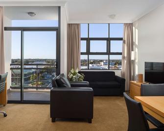 Rydges Mackay Suites - Mackay - Phòng khách