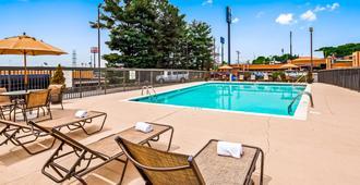 Best Western Thunderbird Motel - Cookeville - Uima-allas
