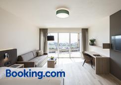 Hotel Torgglhof - Caldaro - Bedroom