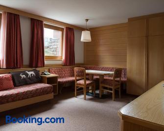 Apartments Lores - Wolkenstein in Gröden - Wohnzimmer