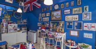 The London Living at Kebagusan City - ג'קרטה