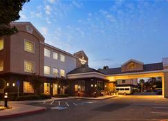 Country Inn & Suites by Radisson, San Jose Airport - San Jose - Edificio
