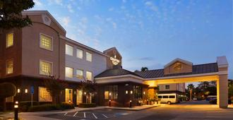 Country Inn & Suites by Radisson, San Jose Airport - San Jose - Building