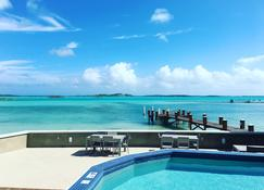 Exuma Beach Resort - Georgetown - Piscina