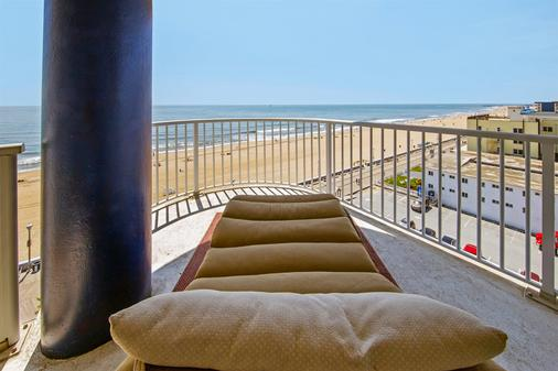 Commander Hotel & Suites - Ocean City - Parveke