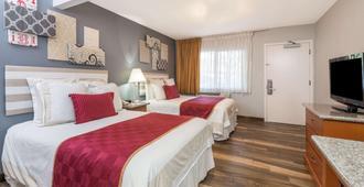 Ramada by Wyndham near SeaWorld / Mission Beach - San Diego - Bedroom