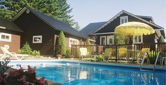 Gîte La Chambre Des Maîtres - Baie-Saint-Paul - Pool