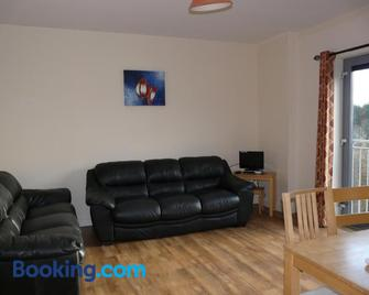 The Courtyard Apartments - Carrick-on-Shannon - Living room