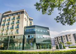 Alexandra Business Hotel - Пухов - Здание