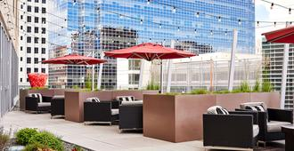 the ART, a hotel - Denver - Patio