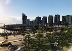 Akom Docklands - Melbourne - Θέα στην ύπαιθρο